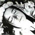 Sainte Thérèse dans le sommeil de la mort