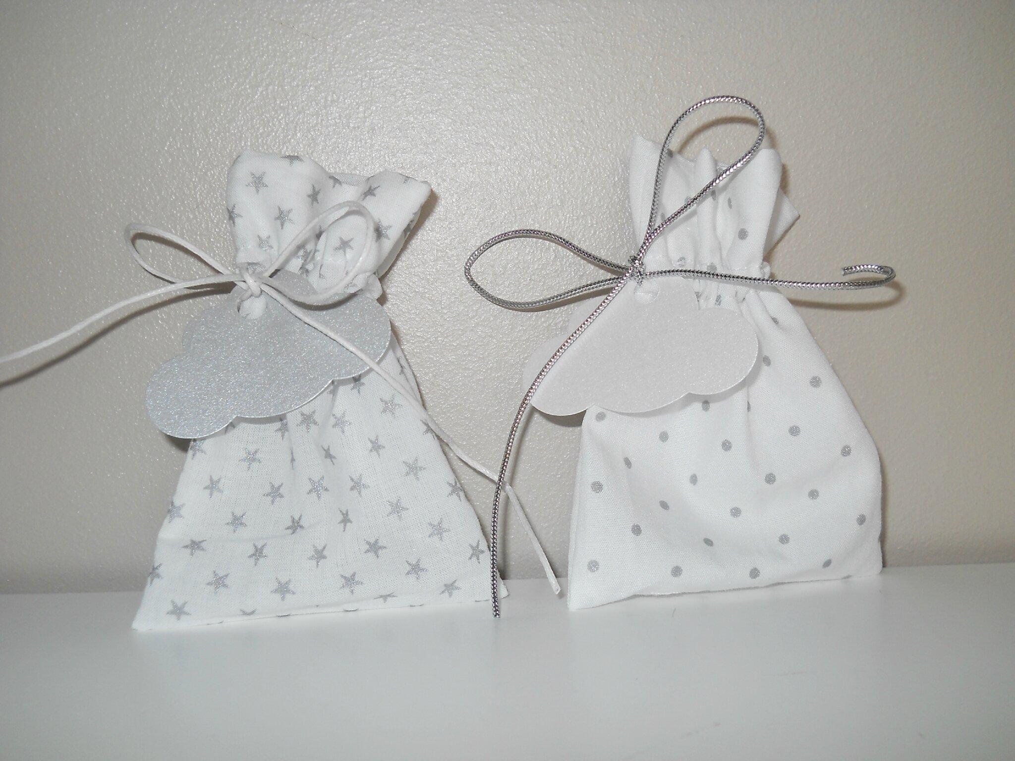 duo de pochons blanc et pois ou étoiles argentées