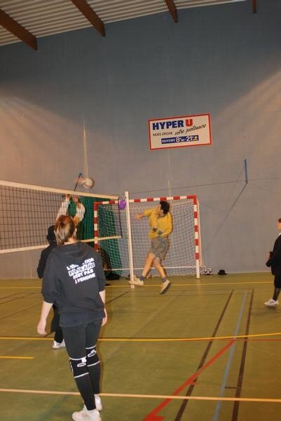 2010-12-16_volley_deguise_57