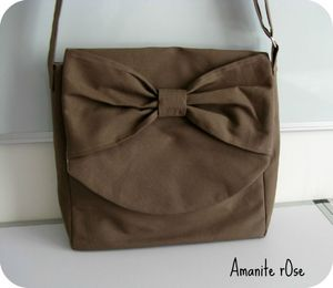 besace taupe 1