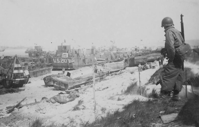 Omaha_Beach_Wrecks_D-Day_1944_Normandy