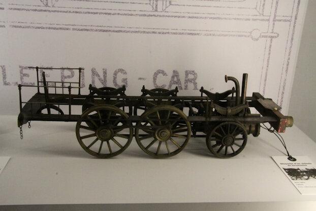 081-Maquette de chassis de locomotive vers 1850