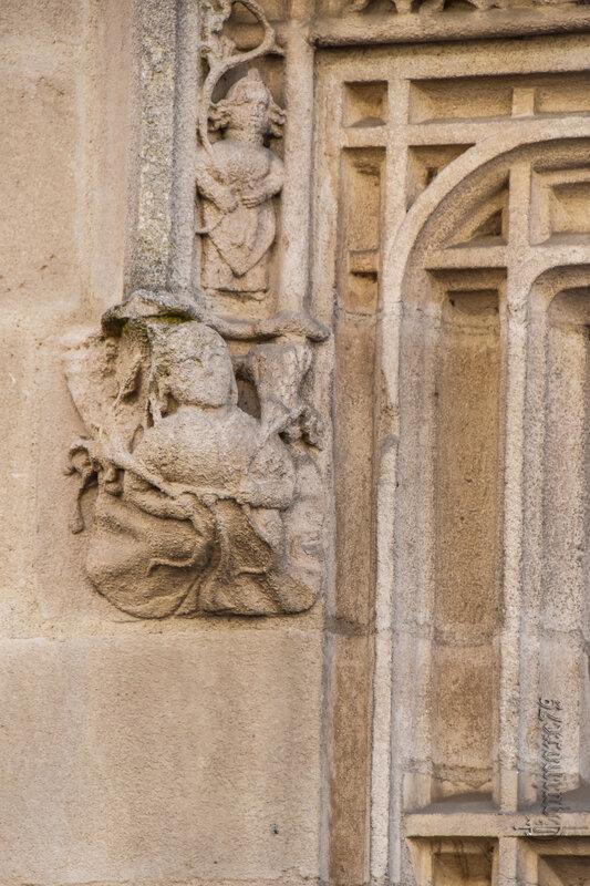 Poitiers, Hôtel Fumée et les Légendes Poitou - Mélusine, licorne et le dragon (4)