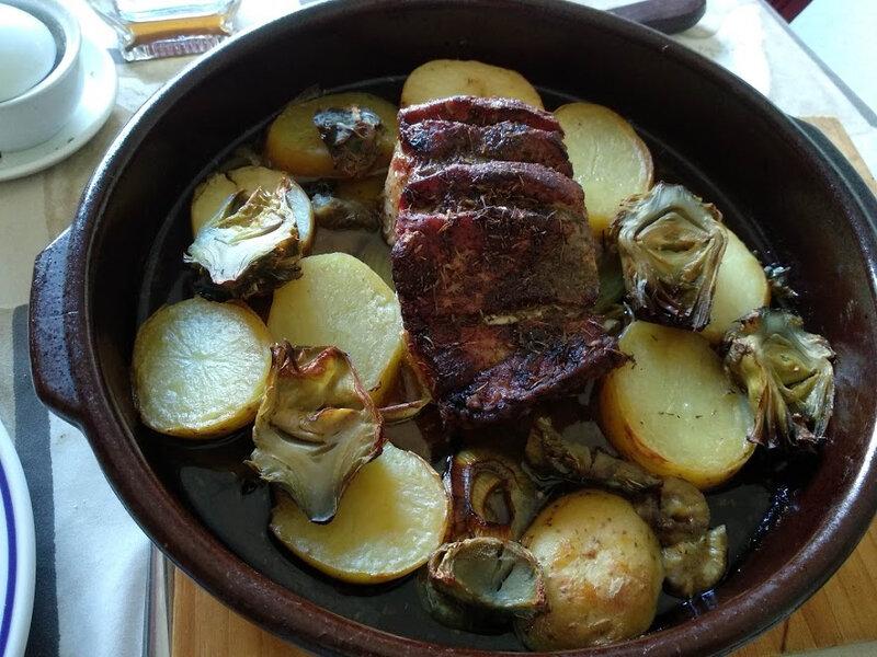 Longe de porc et sauce au vin de los montes de Malaga au four