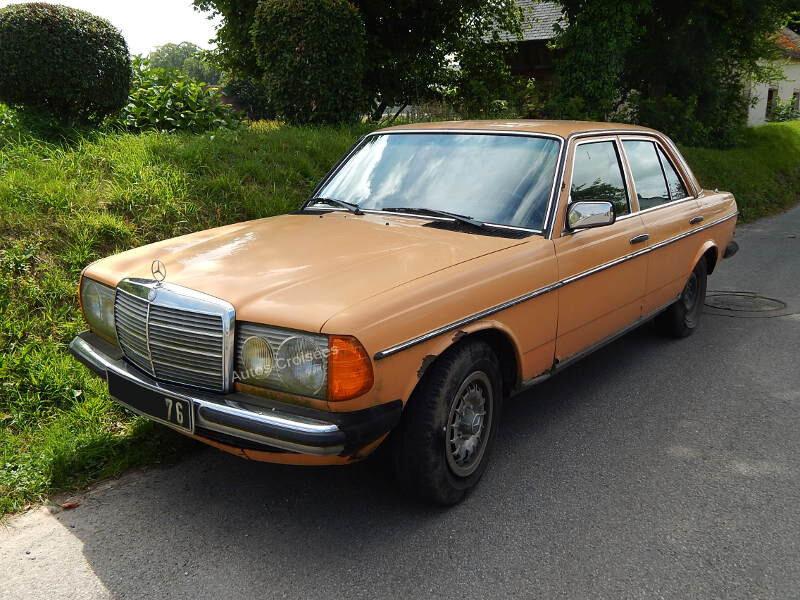 Mercedes220DW123av1