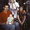 jayne_pink_palace-outside-1958-12-with_mickey_jayne_marie_miklos-1
