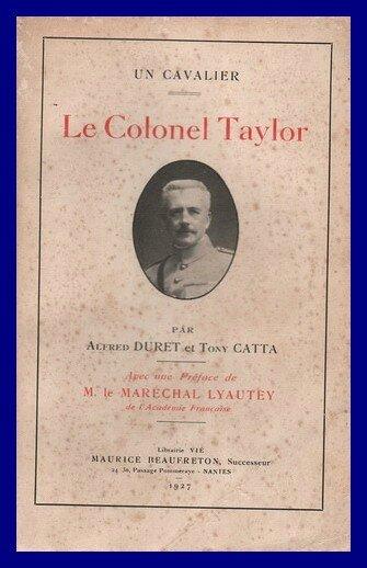 Un cavalier Le colonel Taylor