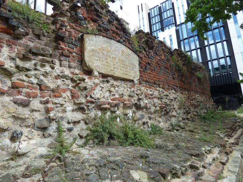 02 Londres Roman Wall (4)