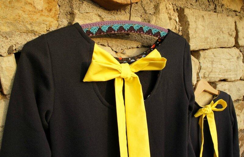robe noeud jaune dos 2