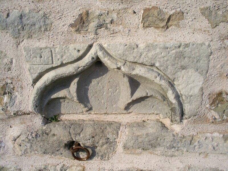 Archettes Mur Mairie Sculpture 28