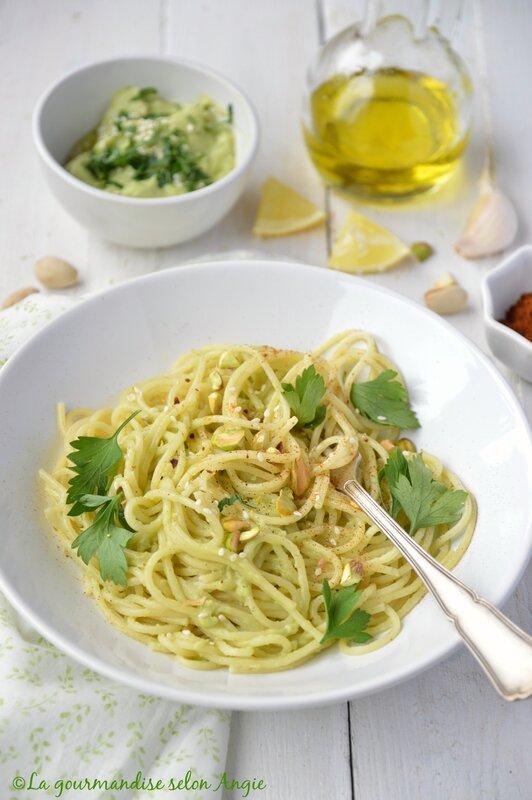 spaghetti sauce avocat detox ail et piment vegan