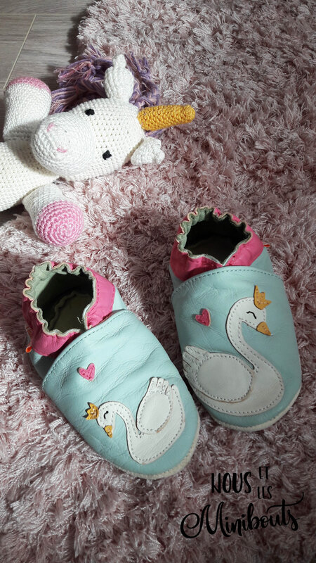 chaussons tichoups cygne