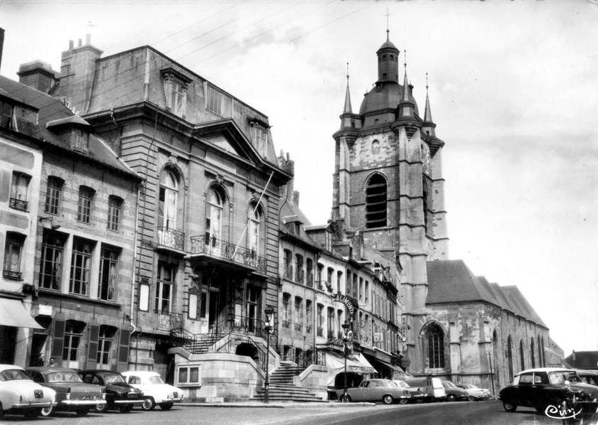 AVESNES SUR HELPE-L'Hôtel de Ville7