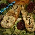Roulé d'omelette aux herbes et sa salade aux fruits