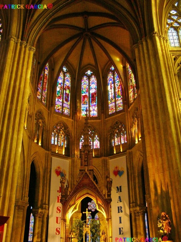 BAYONNE CATHEDRALE INT 995 copie