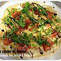 Pizza maison gorgonzola, noix, serrano & roquette