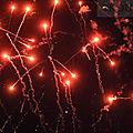 Le caylar : feu d'artifice roc castel