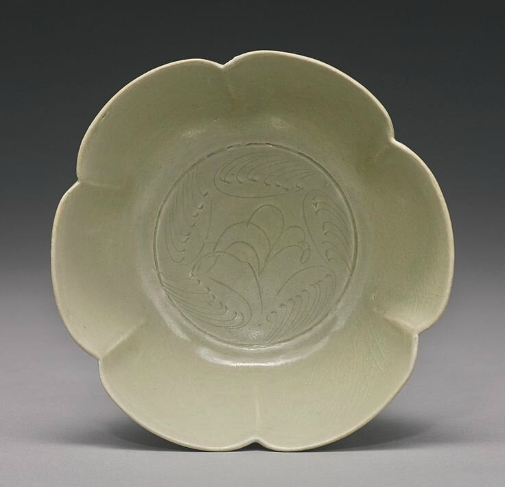 A foliate-rim 'Yue' bowl, Five dynasties, 10th century2