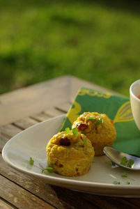 Muffins_thon__poireaux__raisins_secs__curry_Vanessa_cuisine