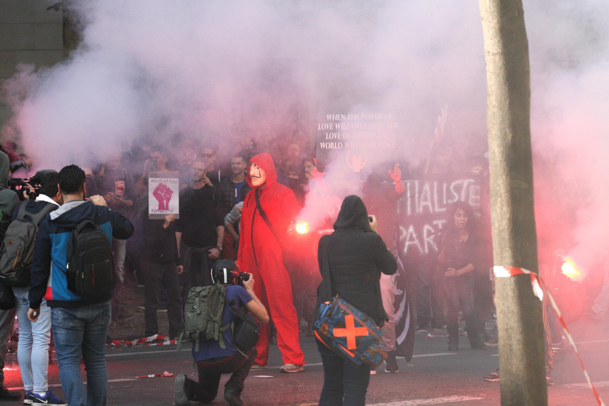 Heurts entre manifestants et gendarmes à Paris. © Michel Stoupak. Mar 09.10.2018, 14h19m54.