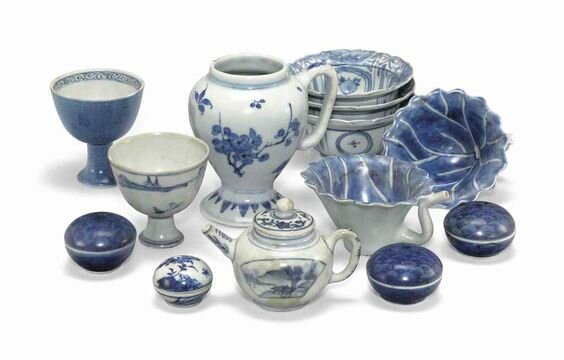 A group of small 'Hatcher cargo' blue and white wares, Transitional, mid-17th century