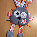 attache_t_tine_lapin_gris_orange_blanc__1_