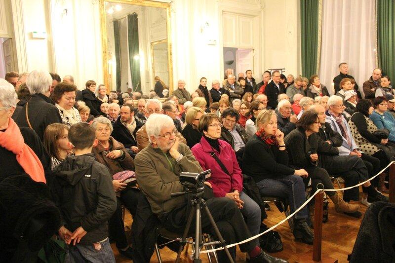 conseil municipal Avranches vote du maire 28 mars 2014 public