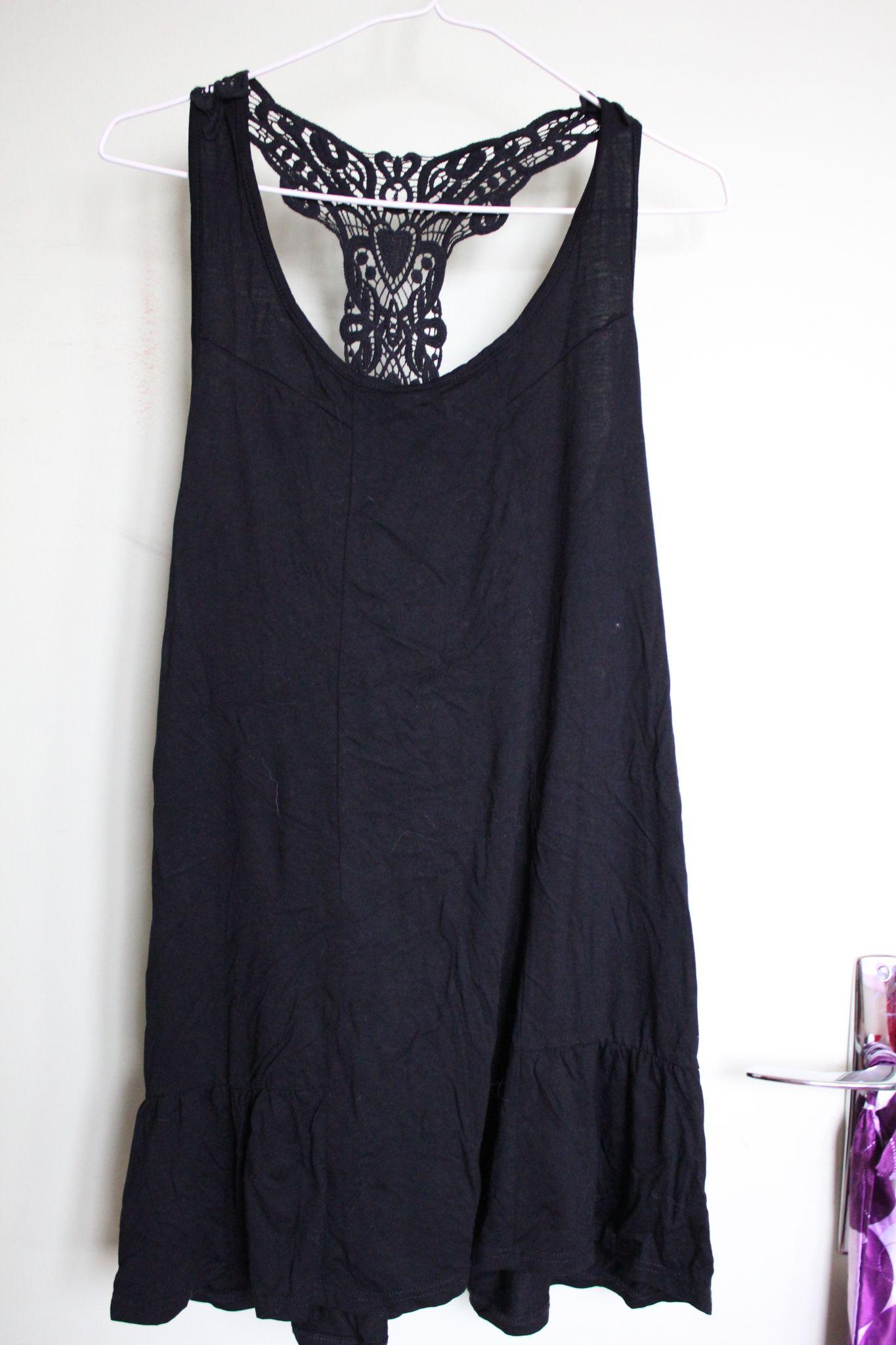b0c8834cf5a67 Long débardeur noir dos dentellé - Vide dressing Paris