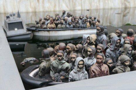 migrants à Dismaland 2