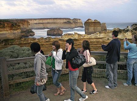 great_ocean_road_tourist_1