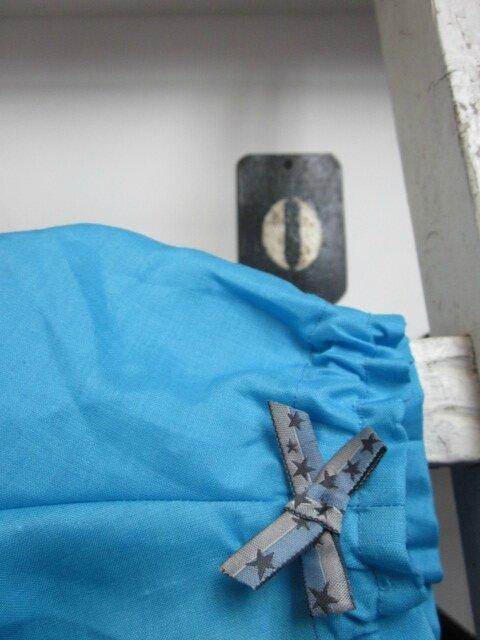 Culotte BIANCA en lin turquoise - noeud bleu à étoiles (3)