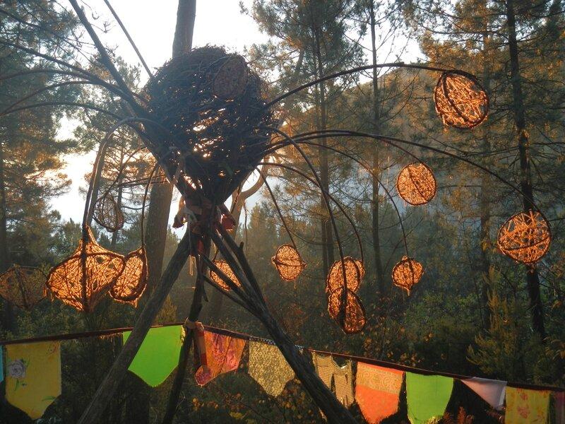boules de laine dans le soleil du matin yurtao