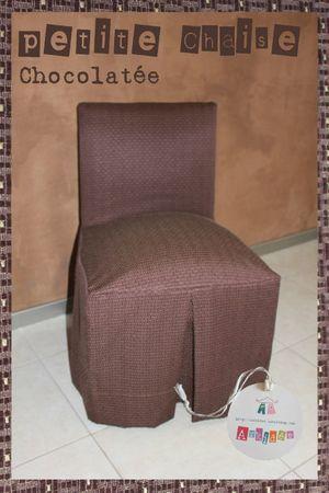 Petite chaise chocolatée
