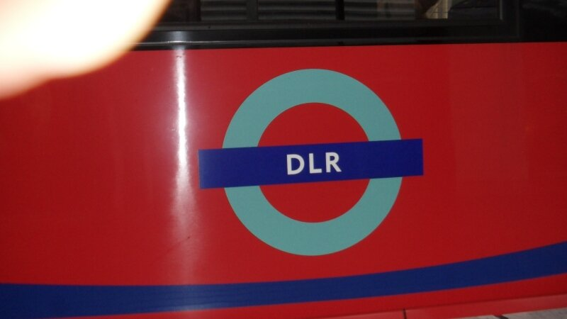 Docklands Light Railway : Logo sur caisse