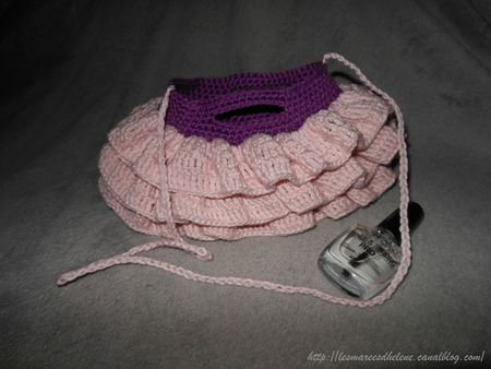 Mini Ruffled Bag crochet rose 03