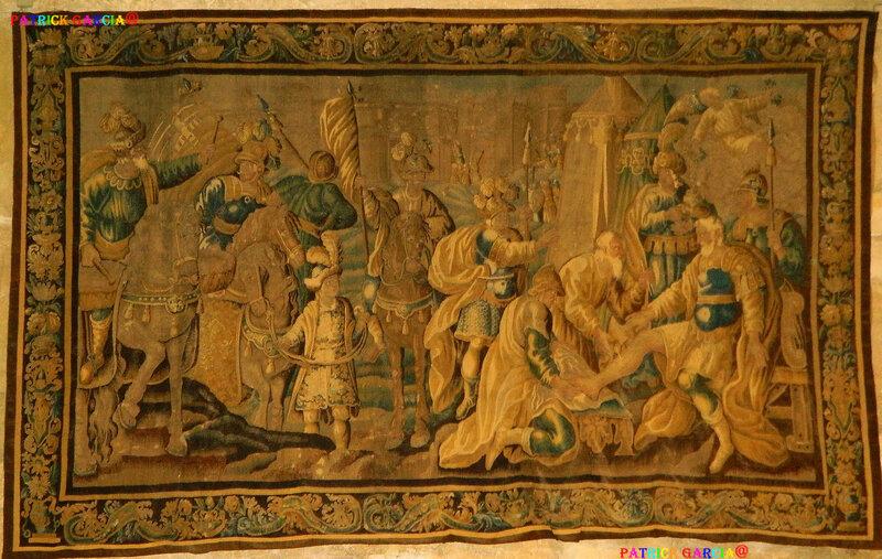 ARLES ST TROPHIME tapis BLESSURE DE GODEFROY DE BOUILLON 3445 copie