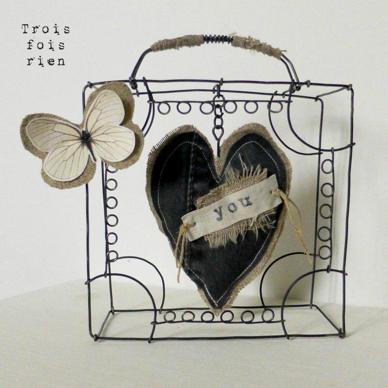 valise fil de fer, coeur tissu, lin, toile de jute, papillon papier et lin, coeur voyageur 1 (1)
