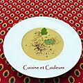 Soupe veloutée au poulet et aux épices douces, inspirée par soulef
