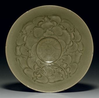 a_yaozhou_celadon_carved_petal_rimmed_bowl_northern_song_dynasty_11th_d5348003h