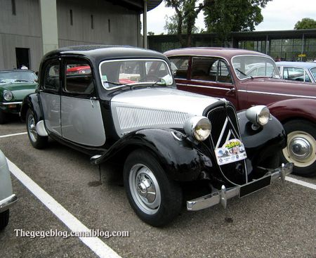 Citroen traction (Tako Folies Cernay 2011) 01