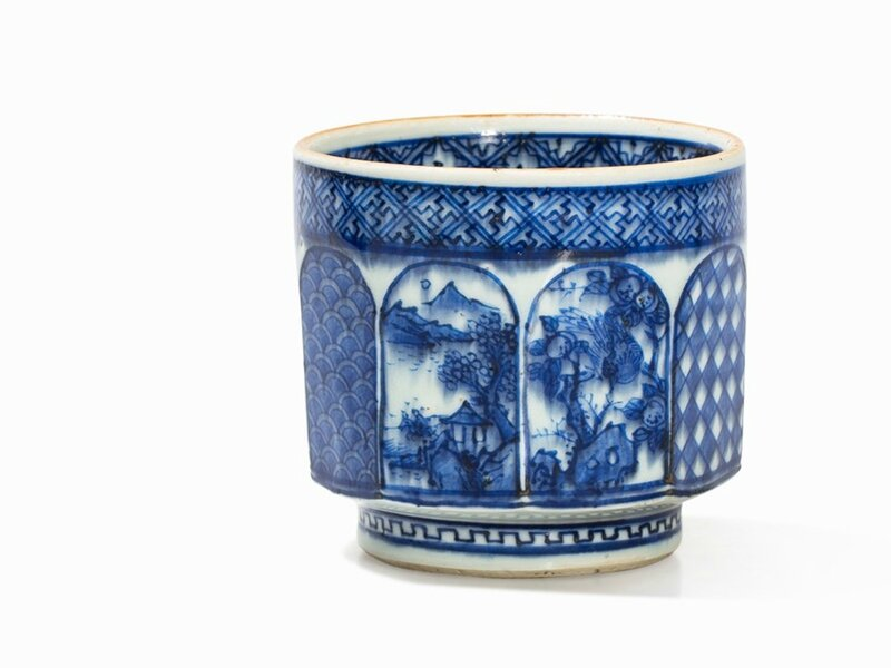 A Shonzui-Style Blue-and-White Tea Cup, Late Ming Dynasty, first half 17th century