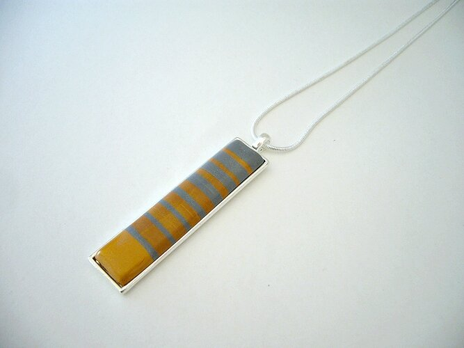 gipsy pendentif rectangle serti rayures gris et or