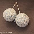 petites boules neige ciel-blanc