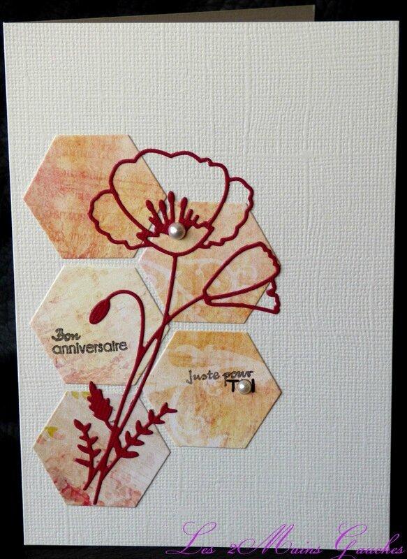 carte d'anniversaire avec coquelicot et hexagones