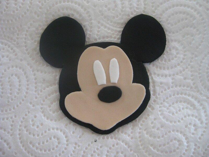 20161211 gâteau Mickey chiffre 1 (7)