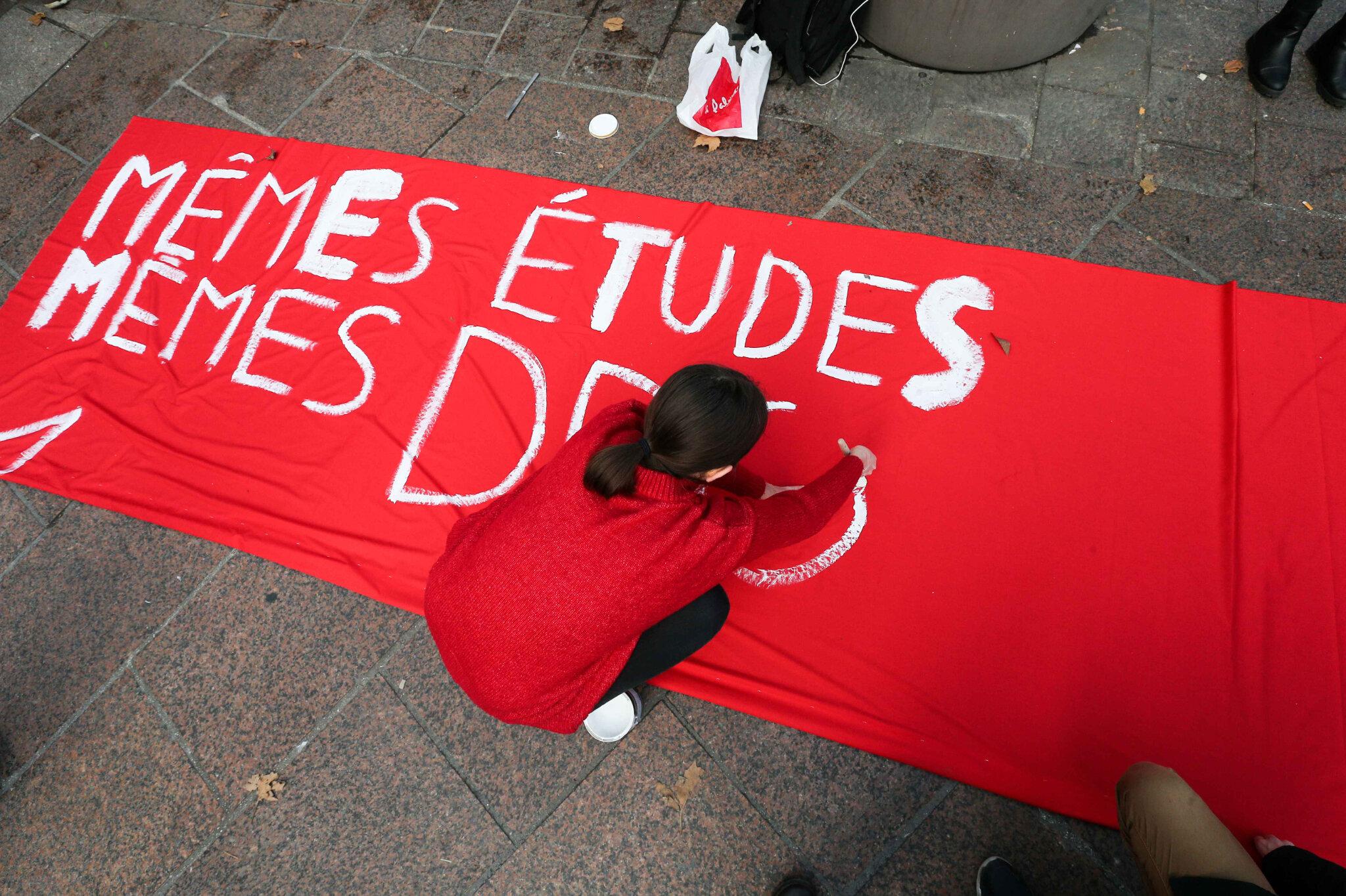 Blocage des lycées à Paris : un millier de manifestants dans la capitale. Mar 11.12.2018, 12h08m36.