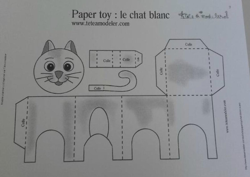 PAPER TOY CHAT