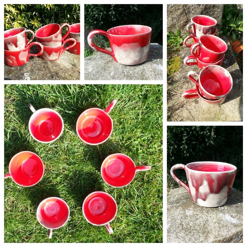 tasses rouges