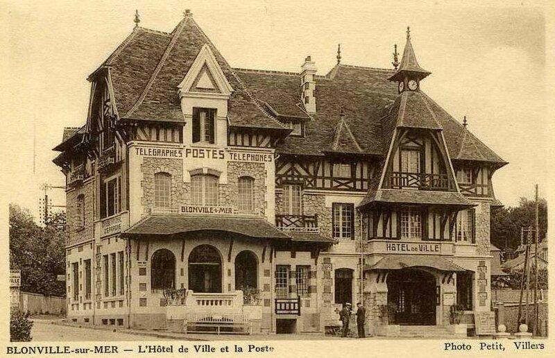 02-Blonville-HoteldeVille