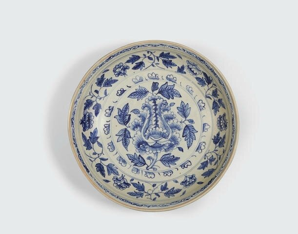 A large blue and white deep dish, Lê dynasty, 15th-16th century